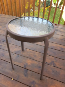 VERY SMALL PATIO TABLE