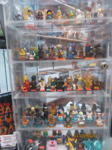 LEGO ET PLAYMOBIL FIGURINES DE COLLECTION A VENDRE