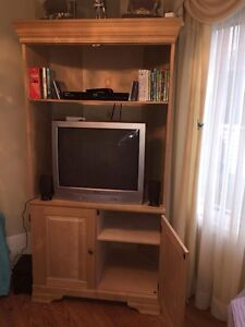 Wooden Corner Entertainment Unit