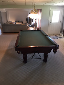 Dufferin 4x8 Pool Table with Accessories