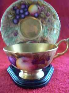 Aynsley Teacup and Saucer  Gold Orchard Fruit West Island Greater Montréal image 1