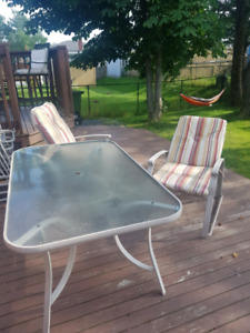 Outdoor patio table and chairs