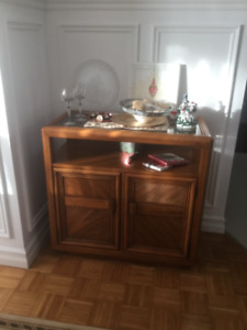 Skylar Peplar ( Canadian Made) Dining Room Set