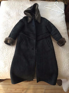Selling Sheepskin Women's Winter Coat (Size Large)