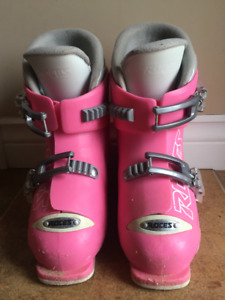 Adjustable Girls Ski Boots by Roces