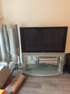 "42""HD Panasonic TV whit Home Theater Stereo System"