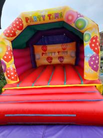 Bouncy castle 12x15