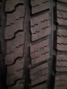 GOODYEAR  WRANGLER TIRES 275 60R 20