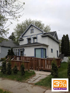 Brandon/Great opportunity as a rental or live in ~ by 3% Realty