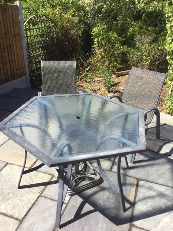Six Sided Glass Top Table And Chairs In Chelmsford Essex Gumtree - Six sided table