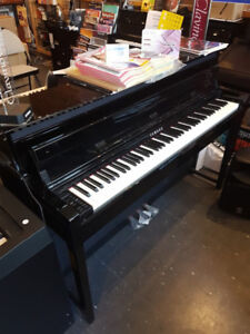 FROM DEMO STOCK YAMAHA-CLP-645 CLAVINOVA