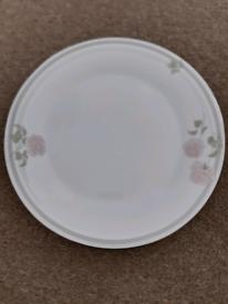 Royal Doulton Bone China Dinner Plates x 8
