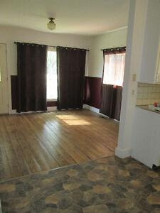Don't miss out on this affordable, 1 bedroom, 4pc bathroom home Regina Regina Area image 4
