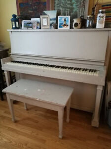Shabby Chick Piano just in time for Christmas!