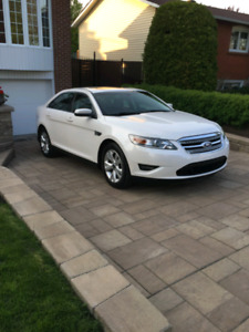 Ford taurus awd 2011