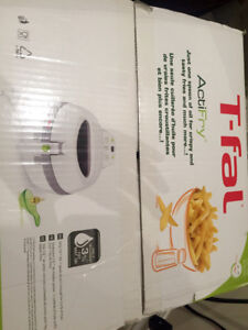 Brand new and unused T-fal Actifry original white
