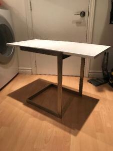 Table D'Appoint - Laque et Metal Chrome