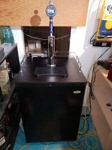 HAIER BEER KEG KEGERATOR COMPLETE SETUP +MORE FRIDGE