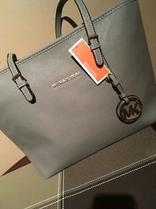 Replica Micheal Kors Bag
