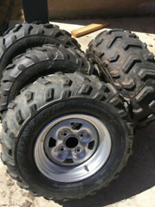 Grizzly stock Rims/Tires