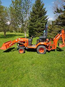 Small tractor Rental with operator