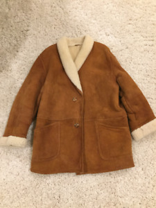 Men's Sheepskin Coat - Excellent Condition