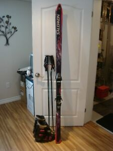 MEN'S SALOMON SKIS  AND BOOTS FOR SALE