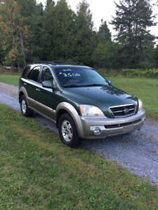 2005 Kia Sorento, all wheel drive, tax and transfer included