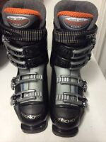 Women ski boots techno pro size 7 like new