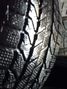 PNEUS HIVER SEULE,     WINTER ONLY ONE TIRE,