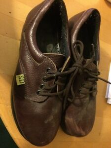 Woman's size 7 steel toe shoes