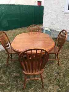 Solid wood dinning table set