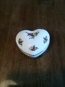 Old Country Roses Trinket/Candy Dish