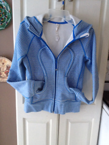 Lululemon Scuba Hoodie Size 4 Blue/Wht Stripe EUC