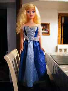 36'' DISNEY BARBIE FROZEN ALL ORIGINAL SHOES AND CLOTHING