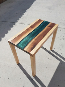 Aurora Table