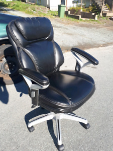 Leather Office Chair **Delivery Included