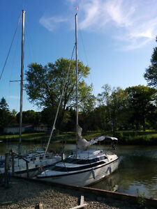 2012 MacGregor 26M Power Sailor