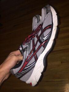 Size 14 asics running shoes
