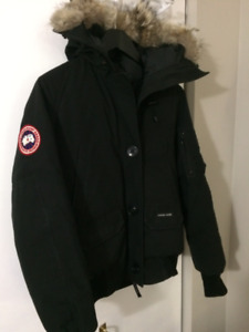 1caf1bec2569 Women s Small Canada Goose Chilliwack Bomber (GREAT Condition)