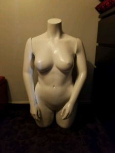 Mannequin femme taille forte