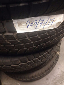 Excellent Condition Winter Tires 265/70/17