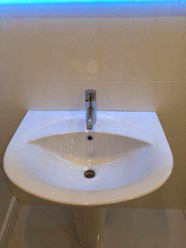 Designer bathroom sink basin and with pedestal porcelanosa for Bathroom cabinets 50cm wide