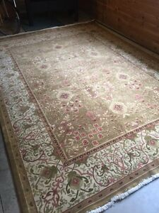 Beautiful rug purchased from Ethan allen  Peterborough Peterborough Area image 1