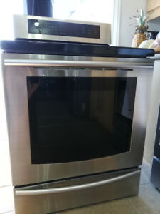 SAMSUNG Stove for sale.