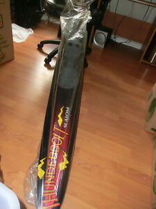 *BNWOT Quicksilver Thunderbolt Slalom waterski