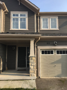 North Oshawa townhouse for rent