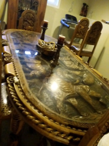 South African Carved Dinning Room Table (from Africa)