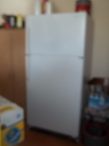 Fridge and Stove in excellent condition for Sale each