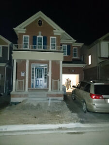 Female -Room for Rent in a Beautiful Brand New House in Brampton